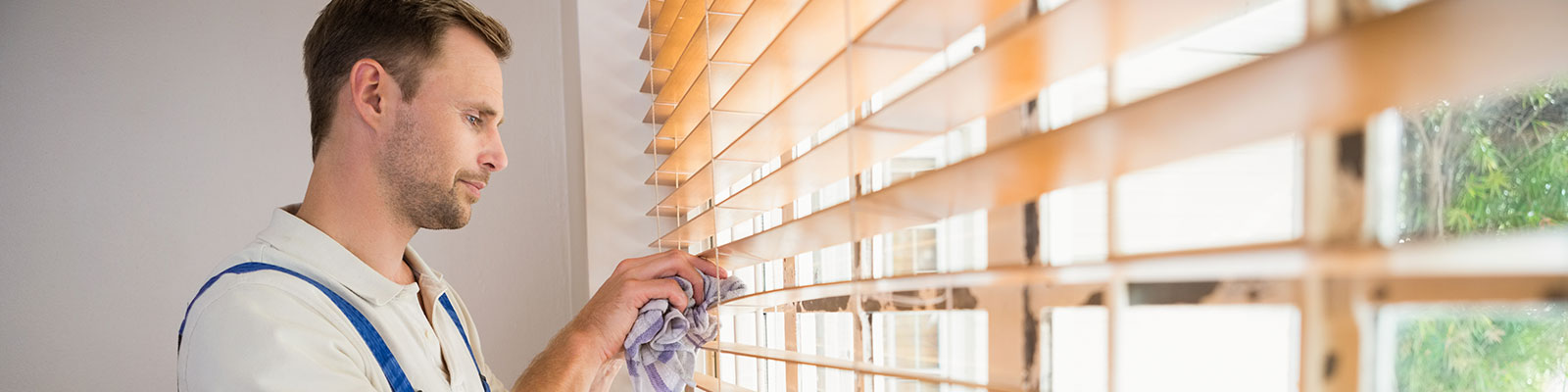 Window-Blinds-Cleaning